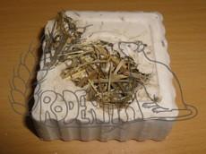 Minerální kámen s bylinkami TRIXIE 80 g