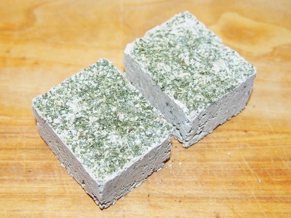 Minerální kámen s kopřivou 200 g / 2 ks