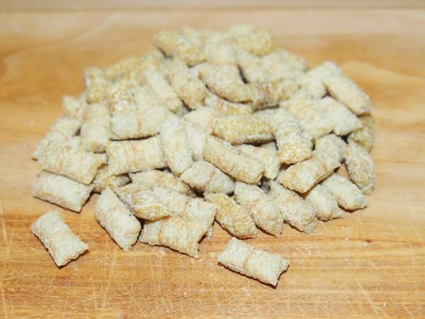 Hrachové mini polštářky se sýrem 40 g