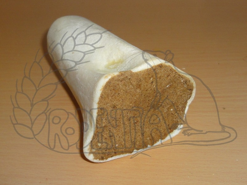 Plněná holenní kost hovězím masem