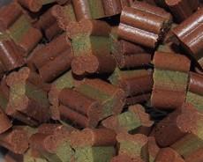 Kostičky: drůbež, králík, špenát, arónie - 50 g