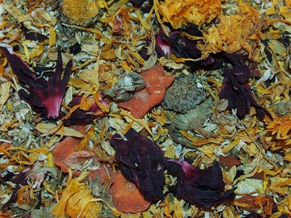 Letní salát s ibiškem, měsíčkem a mrkví 60 g
