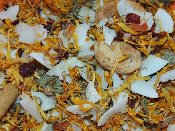 Podzimní salát s jablkem a kokosem 60 g