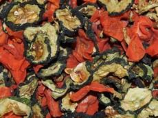 Směs sušené mrkve a okurek 100 g